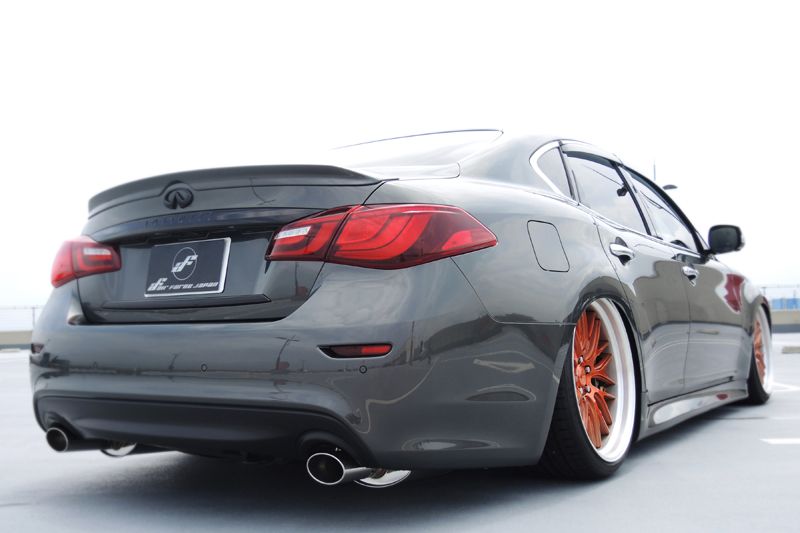 Infiniti_fuga_airsuspension3_s